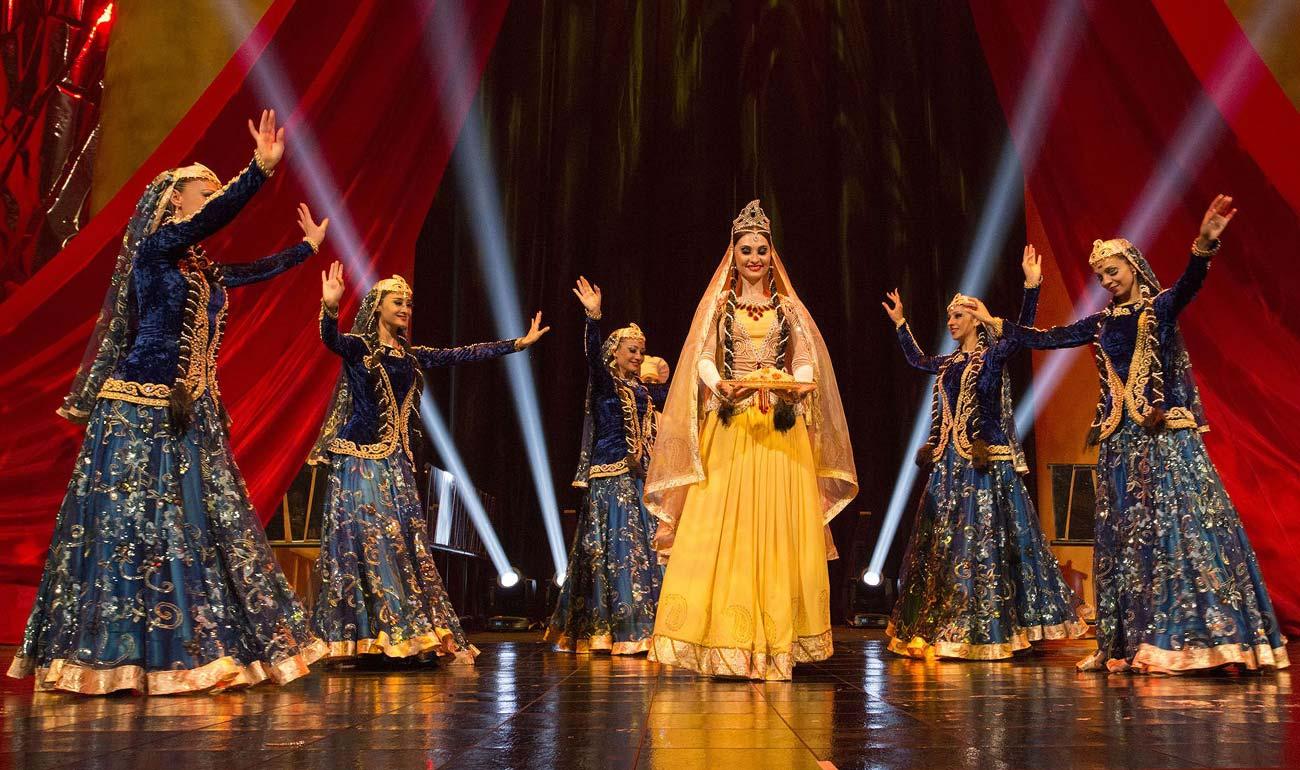 Artemisya Dancewear blog - Azerbaijan's traditional costumes post - Azerbaijan costumes