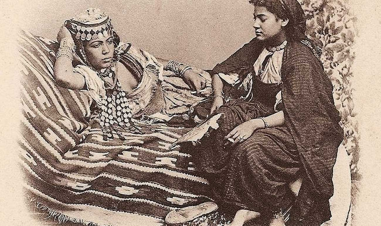 Artemisya Dancewear blog - Ouled Nail berbers women post - Ouled Nail women of Biskra